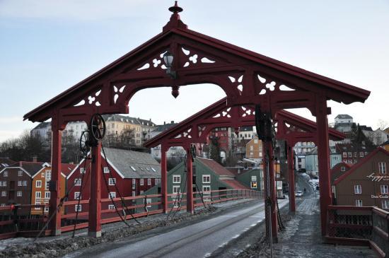 Le vieux pont sur la Nidelva