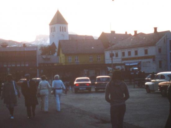 1976 Svolvaer en pleine nuit