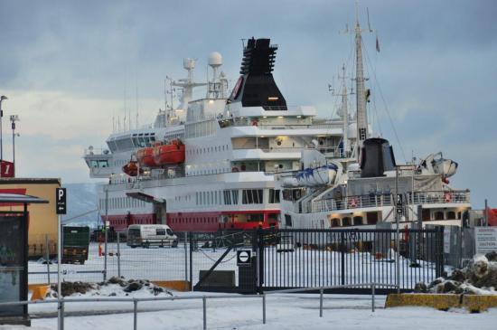 082 Trondheim, le MS Lofoten à quai derrière le MS Nordkapp