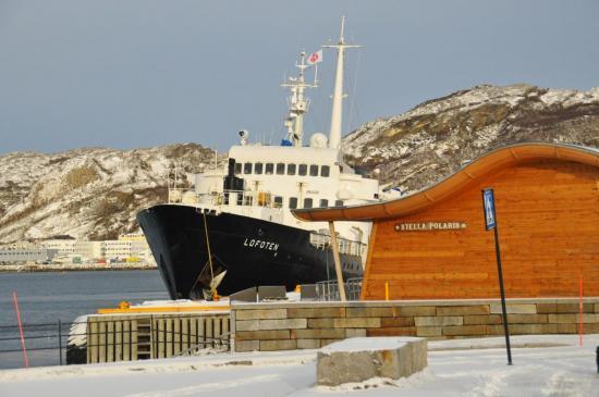 175 A quai à Bodø