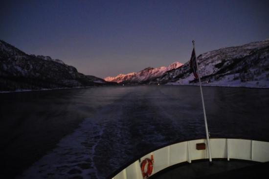 Le Raftsundet, un détroit de 20 km de long qui sépare les Îles Vesterålen et Lofoten