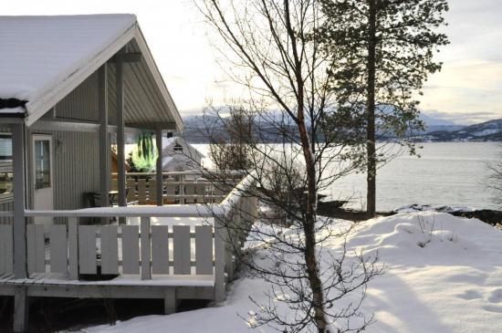 246 Finnsnes, à quelques centaines de mètres du quai