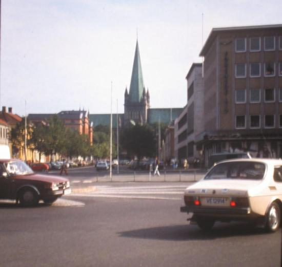 1979, Trondheim, au loin la cathédrale Nidaros